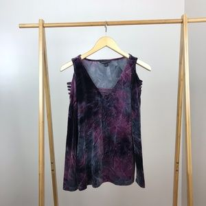 Rock & Republic • Wine Tie Dye Cold Shoulder Top
